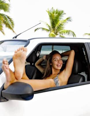 Bespaar op de kosten voor je autohuur in het buitenland met deze tips!