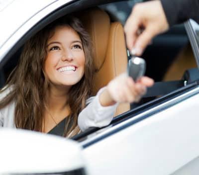 Besparen op je autohuur? Lees de tips!