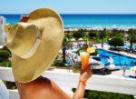 Reisverzekering Spanje met dekking voor code oranje